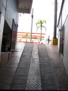 Picture of the ramp which leads to take-off for the Pizza hut over the road.